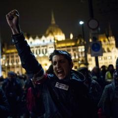 Tüntetés – El a kezekkel a magánnyugdíjaktól!
